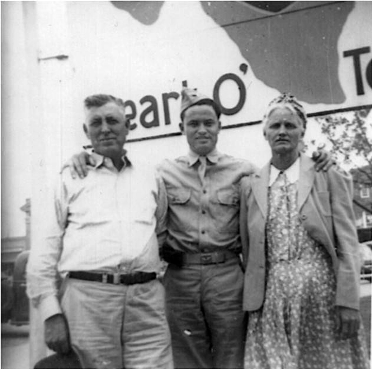 J.R. Ashberry with parents (Brady, Texas)