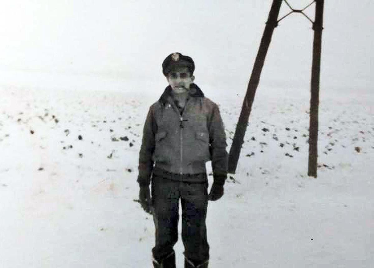 1st Lt. Robert Warda3