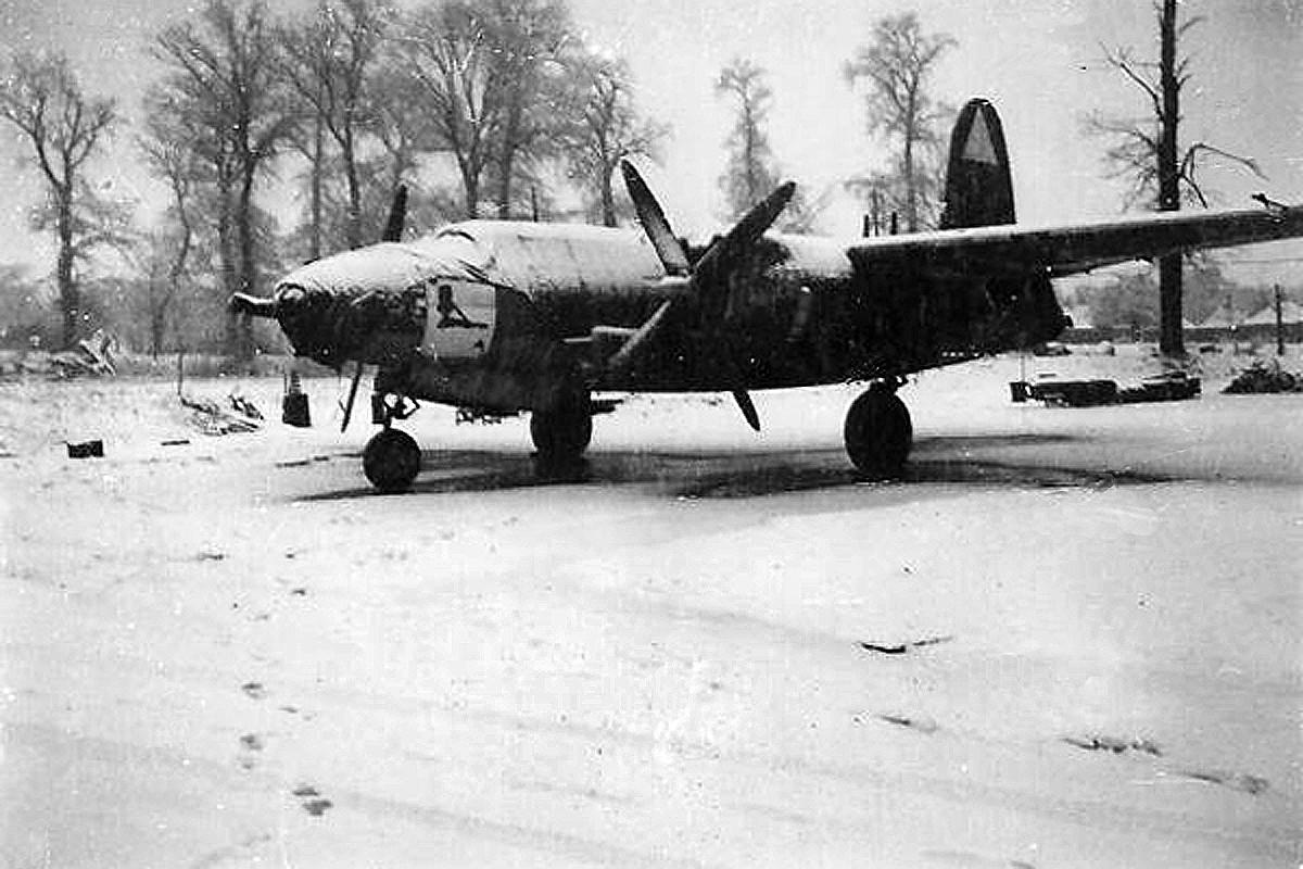 b-26-Queen-of-Hearts-1